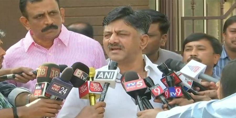 'It's fake news' says DK Shivakumar On fight b/w Karnataka Congress MLAs