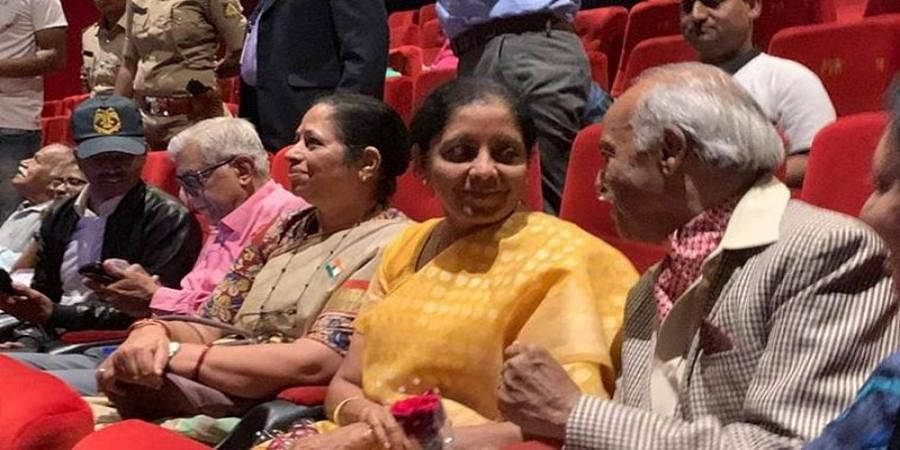Defence Minister watches Uri film along with war veterans