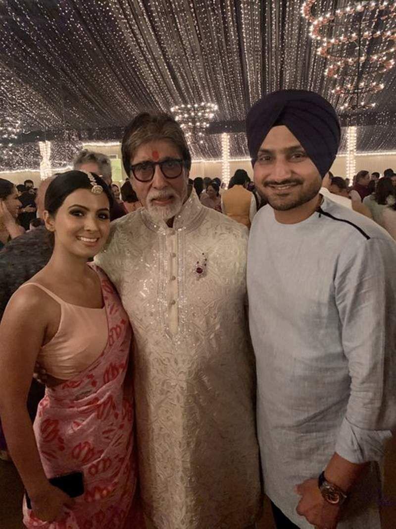 Amitab with Harbhajan Singh family