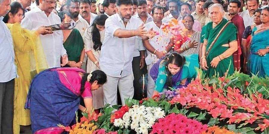D K Shivakumar visited his ancestral home to conduct some rituals for his late father and grandmother in Doddalahalli,