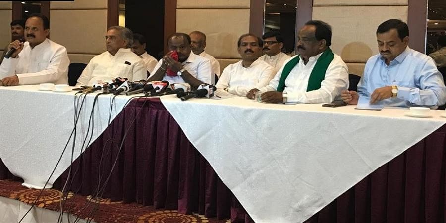CM Kumaraswamy and other leaders in press meet
