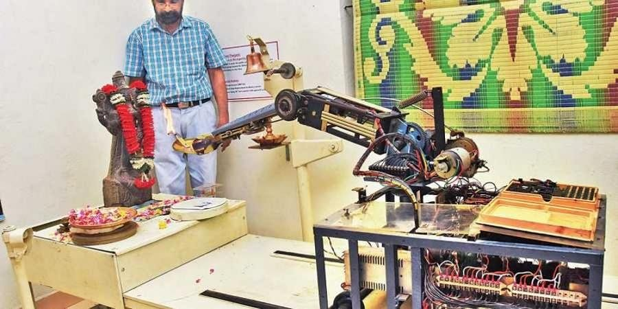 32 years and counting: This robot has been performing aarti and puja since 1987