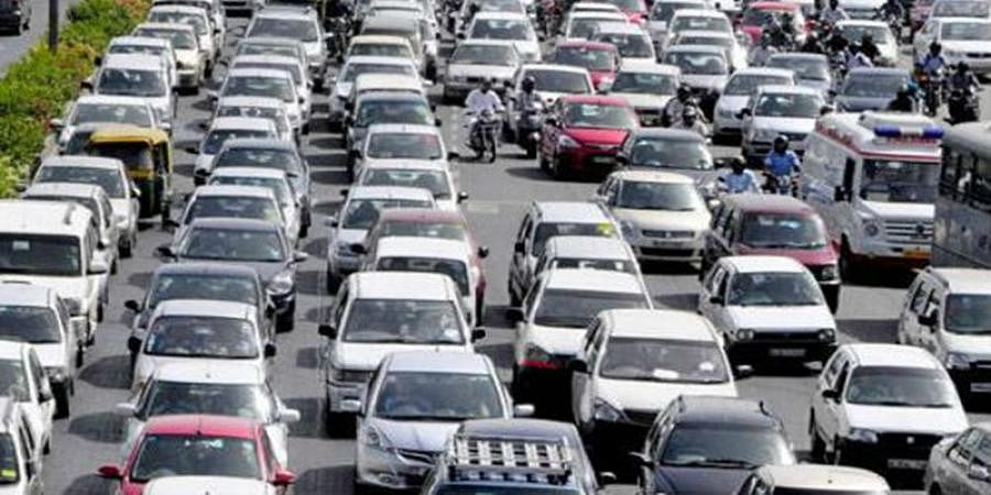 Passenger vehicle sales dip 2.96% in March
