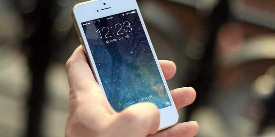 Reaching for smartphone may be bad for your health: Study