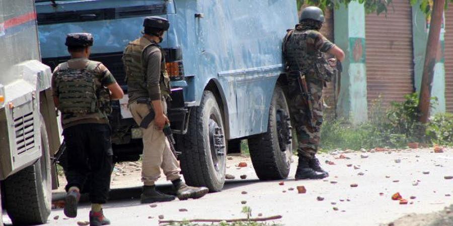Indian Army jawan injured in Shopian encounter dies