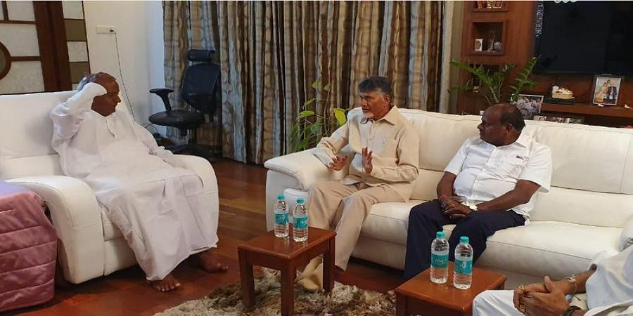 TDP Chief N Chandrababu Naidu met Karnataka CM HD Kumaraswamy and JDS Supremo HD Deve Gowda