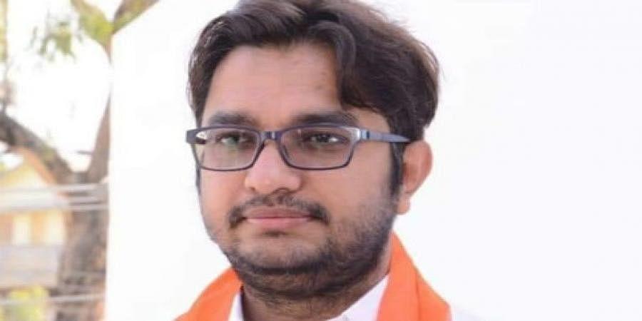 Dr Avinash Jadav