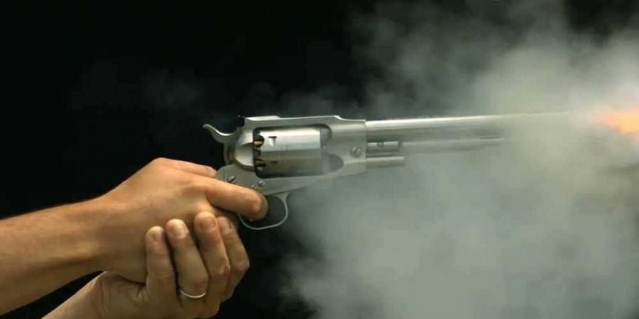 A soldier shoots his lover's father who is rejected for marriage at Davanagere