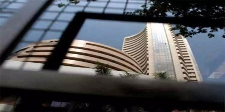 Markets end marginally lower; IT stocks drag