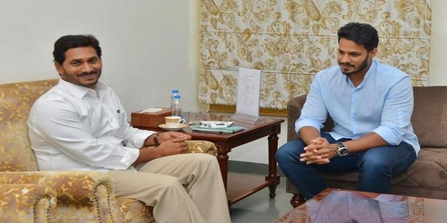 Nikhil meets Jagan: First of many to come, believes YSRCP