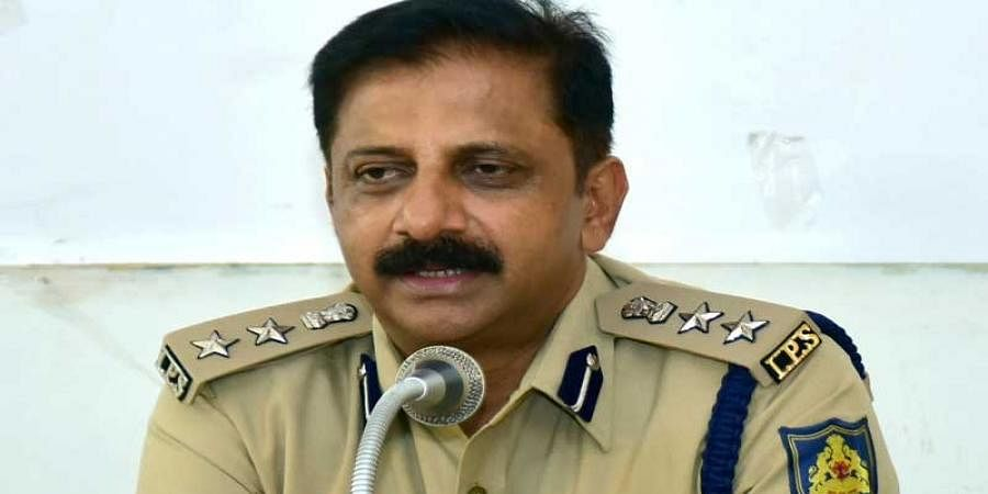 Karnataka government sets up SIT headed by DIG B.R.Ravikanthe Gowda to investigate IMA Jewels scam