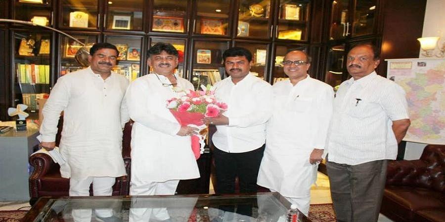 MP B.Y Raghavendra Meets Minister D.K Shivakumar
