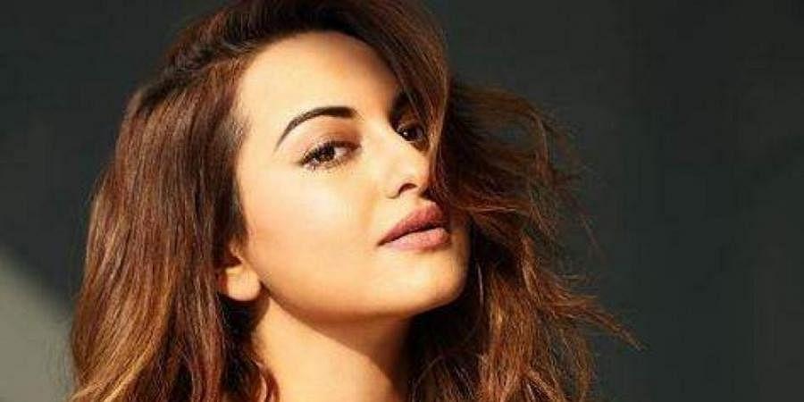 My parents want me to date 'susheel ladka': Sonakshi Sinha
