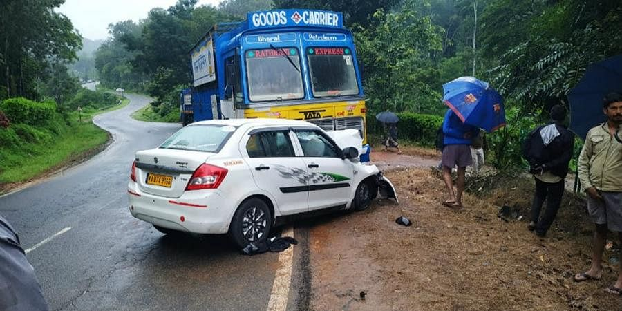 Two Bengaluru people are dying after car accident at Somavarapet