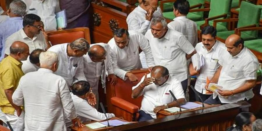 Karnataka politics: Monday's session goes without trust vote, MLAs request Speaker to adjourn house