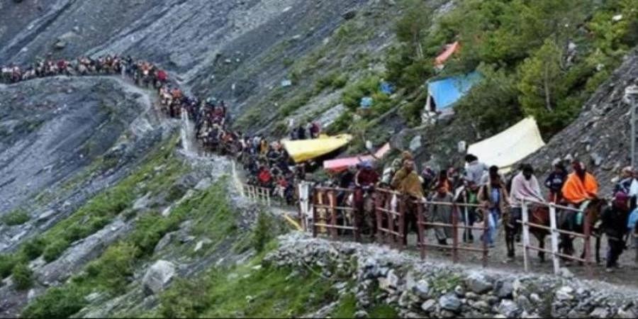 Amarnath Yatra suspended due to blockade of Jammu-Srinagar highway
