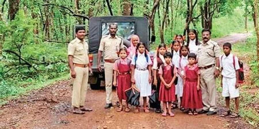 School children with forest officials