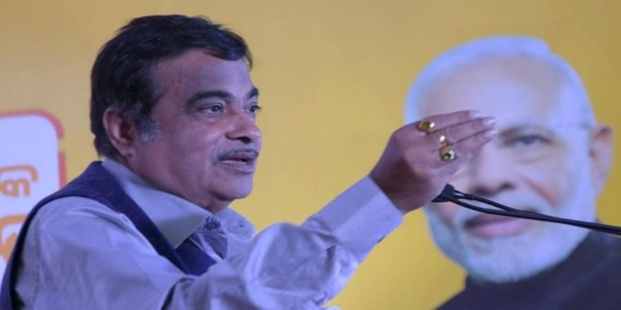 Union Minister Nitin Gadkari faints on stage in Solapur