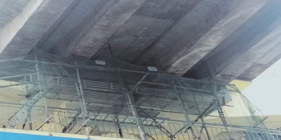 Bangalore Metro Pillar Near indiranagar Station Develops Cracks