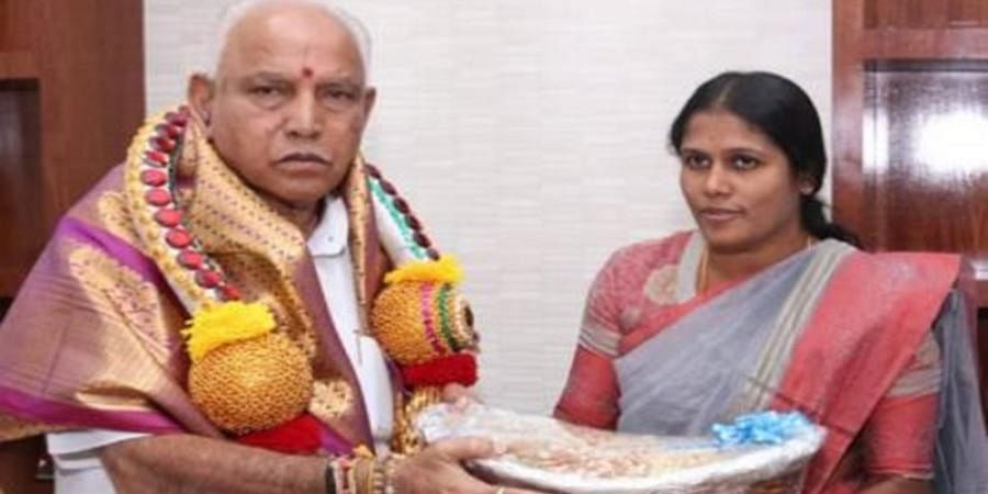 BBMP Mayor sorry for plastic-wrapped gift for new CM BS Yediyurappa