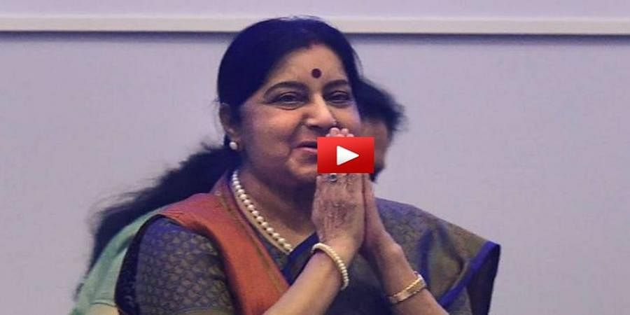 when Sushma Swaraj mesmerised Karnataka people with her fluent Kannada speech at Bellary in 1999