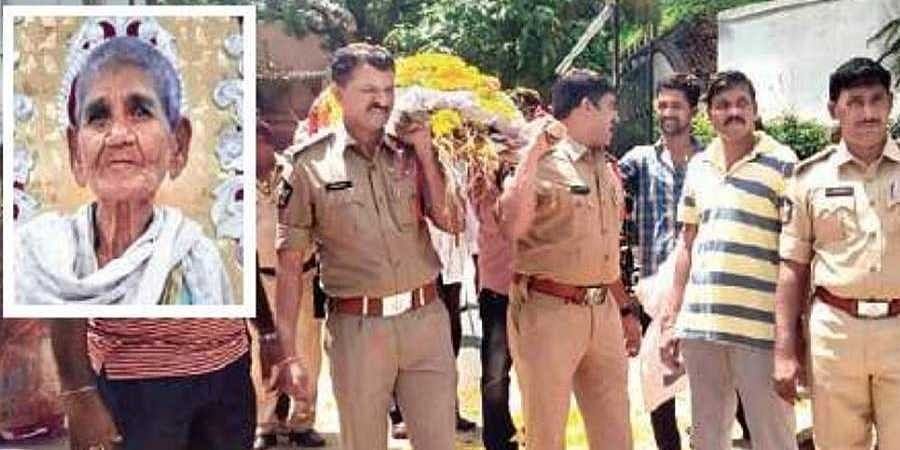 Guntur police bid final farewell to woman who served them for 40 yrs