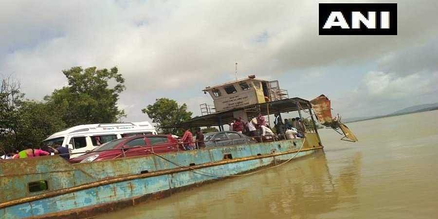 Two ferries carrying 200 commuters collides on Sharavathi river