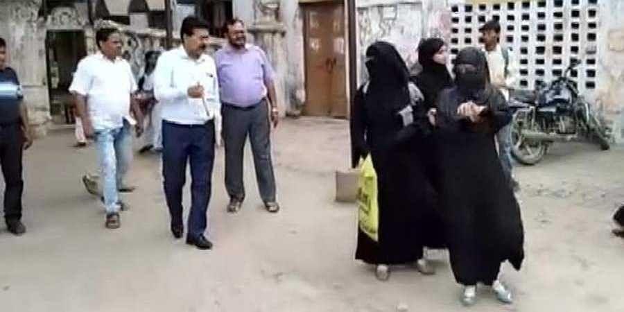Girls wearing burqa denied entry in college
