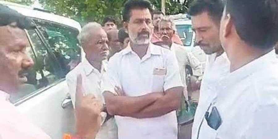 Villagers block 'untouchable' Chitradurga MP's path,