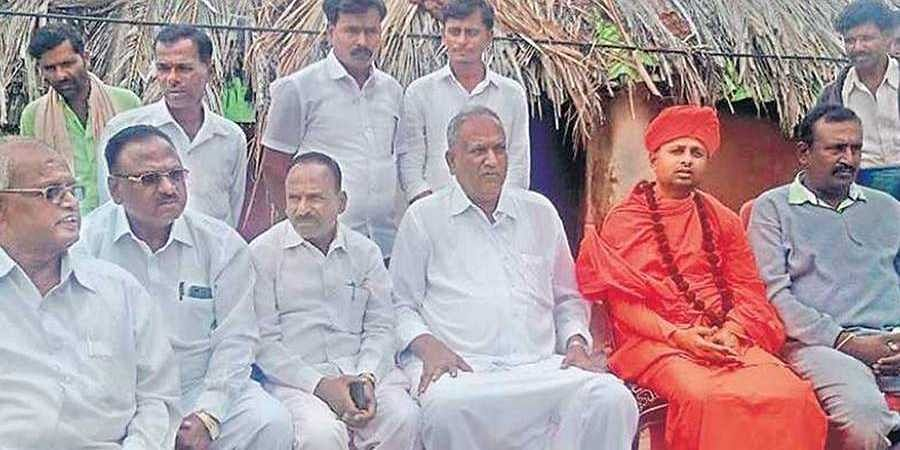 Karnataka: After shunning him citing his caste, Kadugollas invite Chitradurga MP