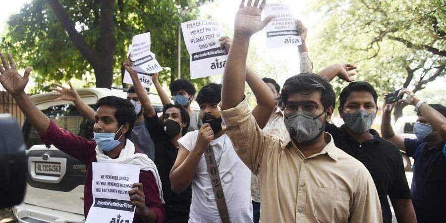 Protesters raise slogans against CM Yogi Adityanath over Hathras gang-rape in New Delhi (Photo   Parveen Negi, EPS)