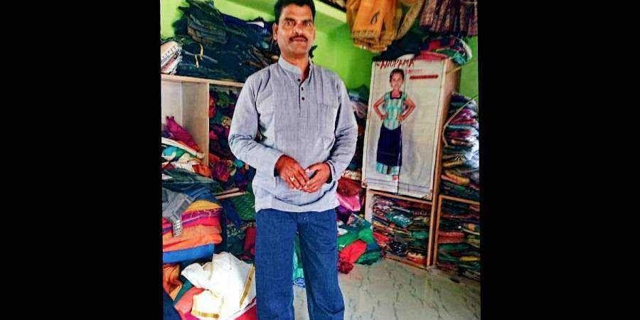 Gadag entrepreneur  Mahadev Badami