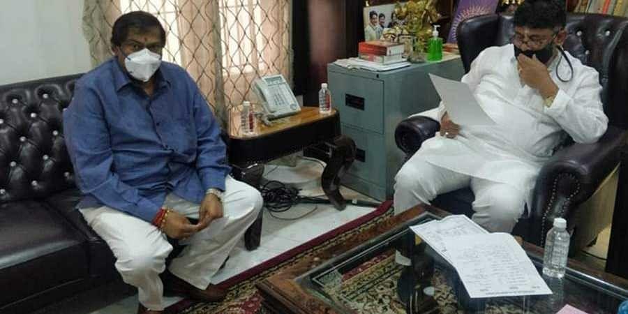Akhanda Srinivas Murthy meets DK Shivakumar