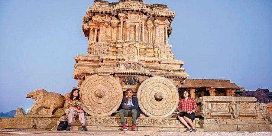 NITI Ayog CEO Amitabh Kant and his family visit Hampi
