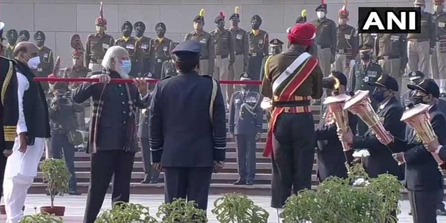 Prime Minister Narendra Modi lights up 'Swarnim Vijay Mashaal' at the National War Memorial