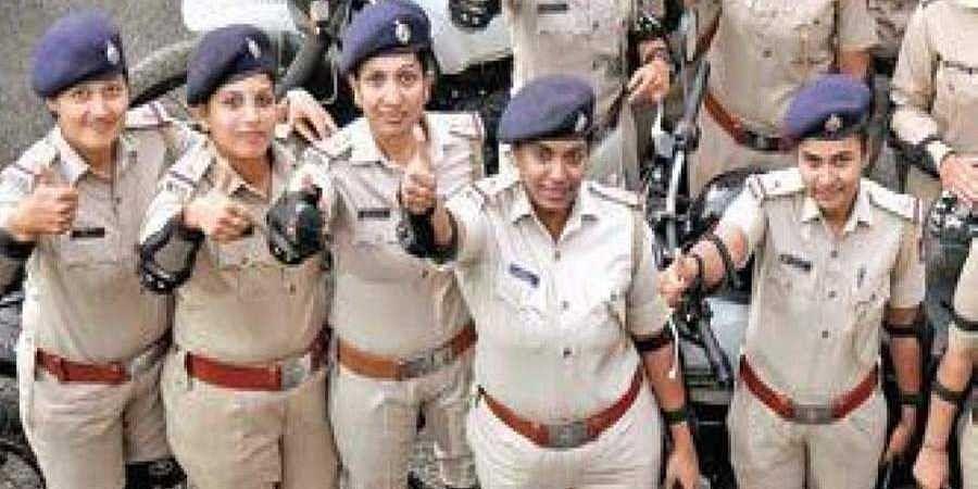 Womenpoliceofficers1