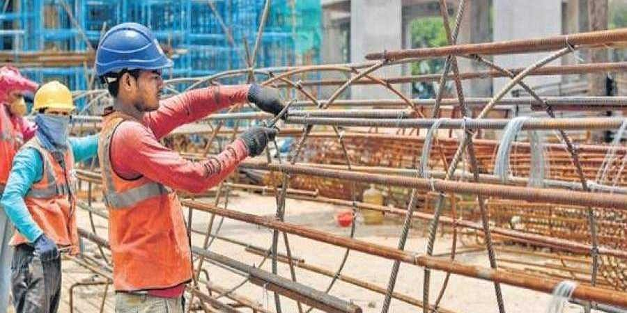 Workers_at_a_Metro_construction_site_in_Bengaluru1