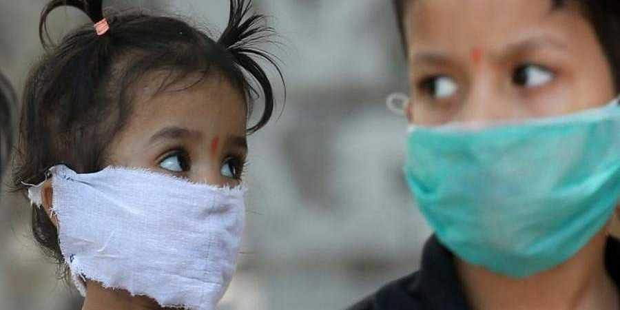 Children_wear_mask_to_cover_their_face_during_the_COVID-19_pandemic1