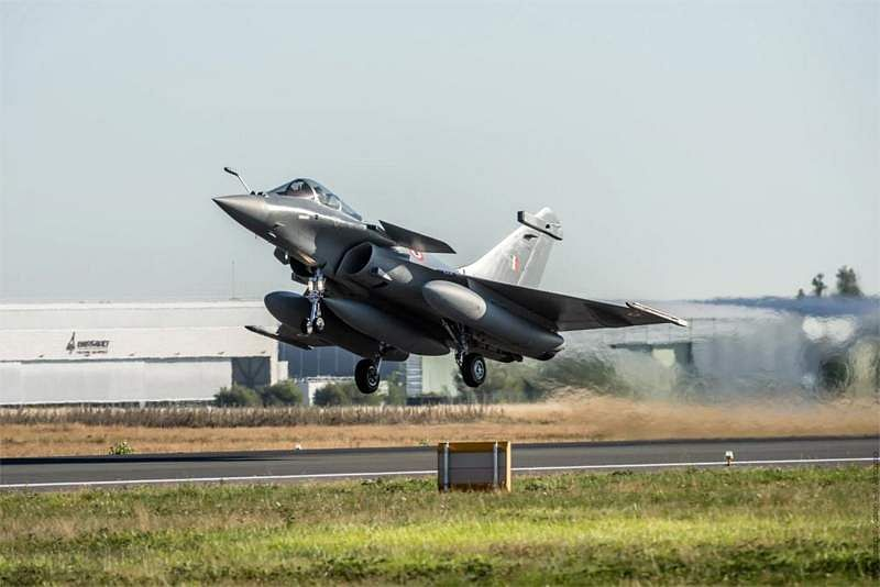 Rafale fighter jets arrives to Ambala airbase