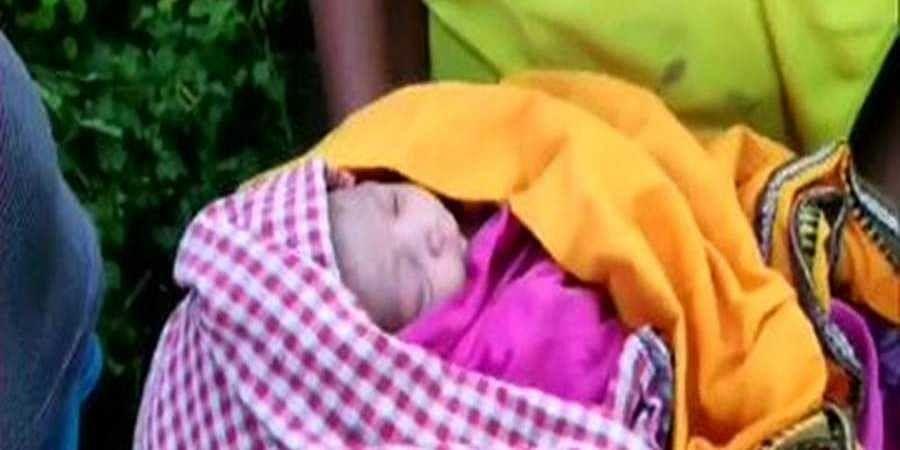 Odisha's Nayagarh fire service team help pregnant woman.