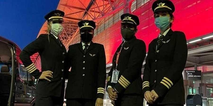 Members of the crew are Captain Zoya Aggarwal, Captain Papagari Thanmai, Captain Akansha Sonaware and Captain Shivani Manhas.