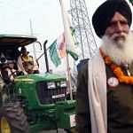 Farmers_ride_tractors1