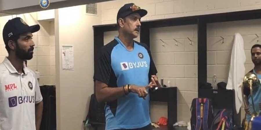 Ravi Shastri in dressing room