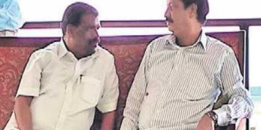 Water Resources Minister Ramesh Jarkiholi's 'secret' meeting with some ministers raised speculation