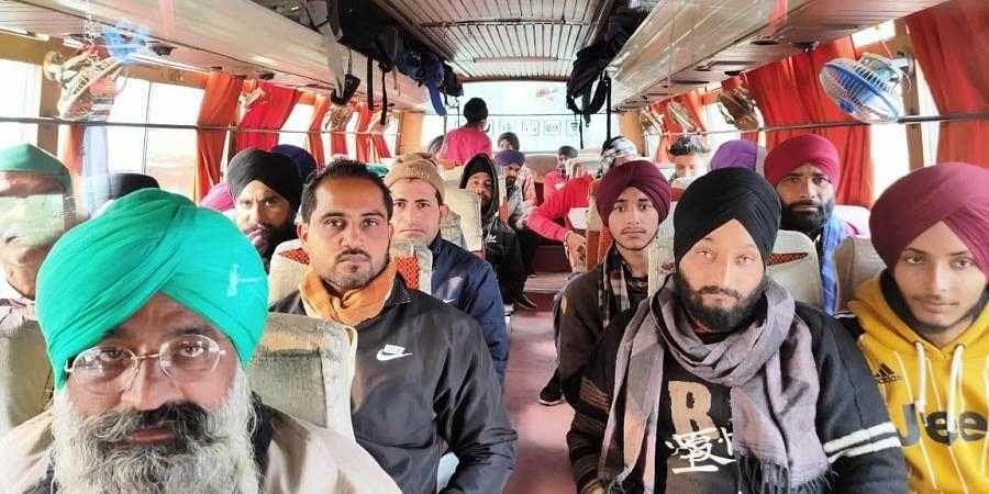 Agri Laws: Uttarakhand farmers start free bus service to Delhi protest site