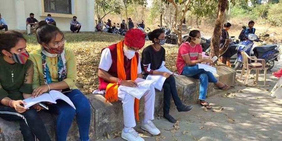 Rajasthan_MLA_sits_for_BA_exams1