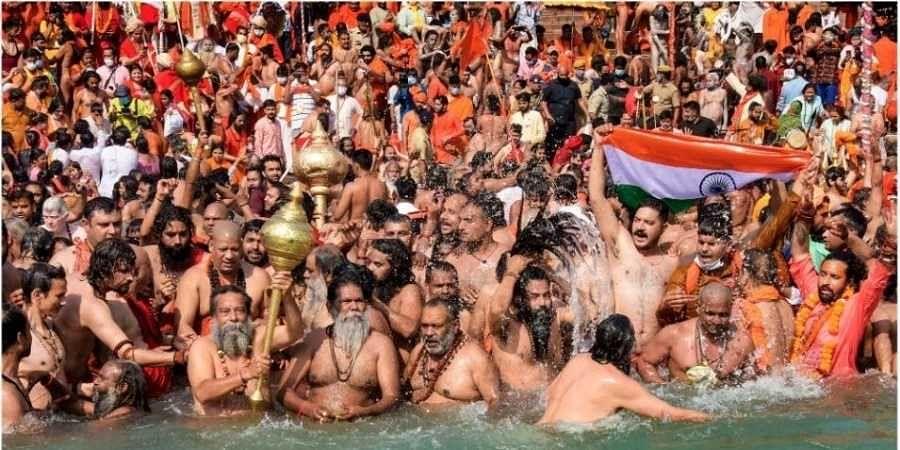 Devotees gather to offer prayers during the third 'Shahi Snan' of the Kumbh Mela 2021, at Har ki Pauri Ghat in Haridwar (File Photo   PTI)