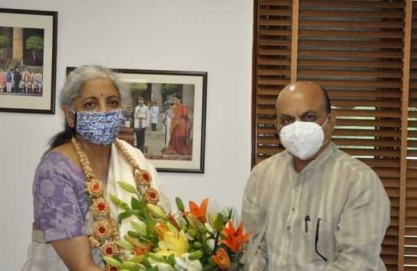 ಕೇಂದ್ರ ಹಣಕಾಸು ಸಚಿವೆ ನಿರ್ಮಲಾ ಸೀತಾರಾಮನ್ ಅವರನ್ನು ಭೇಟಿ ಮಾಡಿದ ಸಿಎಂ ಬೊಮ್ಮಾಯಿ